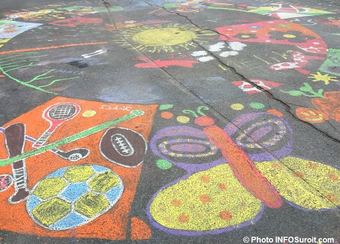 mandala-geant-a-ormstown-rue-lambton-photo-infosuroit