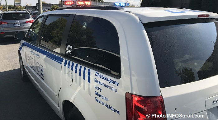 fourgonnette-autopatrouille-police-chateauguay-photo-infosuroit_com