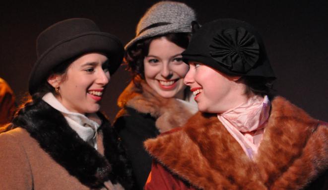 theatreexaltemps-3-comediennes-choristes-photo-courtoisie-ville-valleyfield