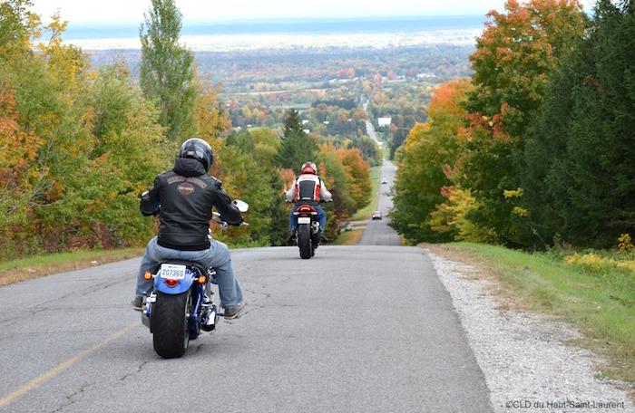 tourisme-hautstlaurent-coveyhill-moto-copyright-photo-cld_haut-saint-laurent