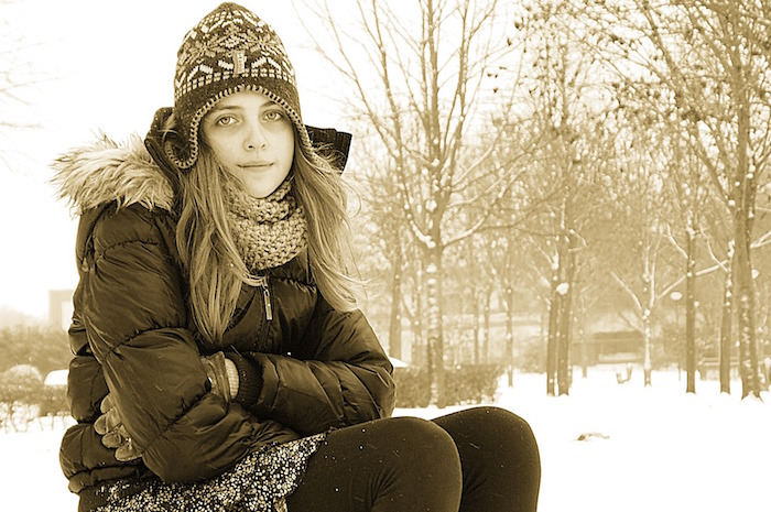 adolescente-hiver-photo-jedidja-via-pixabay