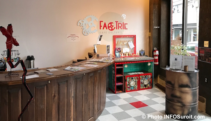 cafe-culturel-lafactrie-a-valleyfield-entree-photo-infosuroit