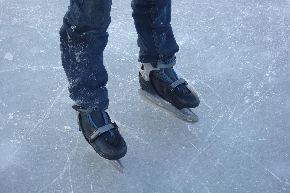patins-patinage-glace-photo-jedidja-via-pixabay