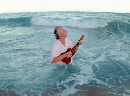 MichelCusson ukulele Photo courtoisie Valspec