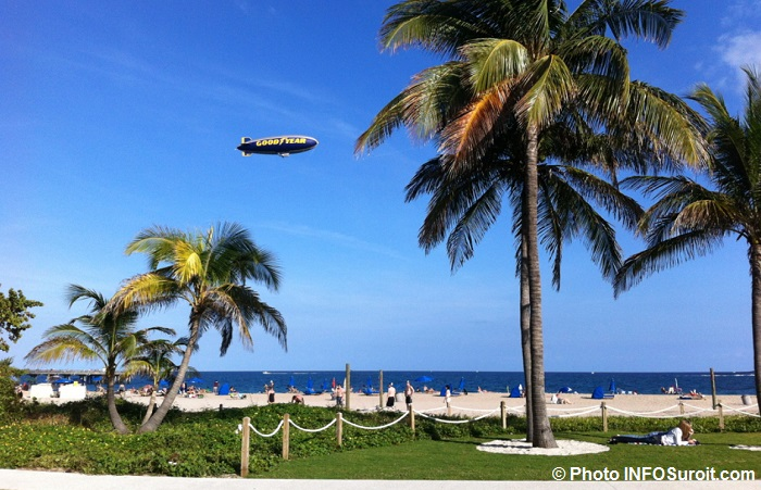 plage Pompano Floride ballon dirigeable GoodYear Photo INFOSuroit