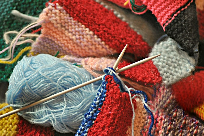 tricot laine a tricoter broches Photo MabelAmber via Pixabay