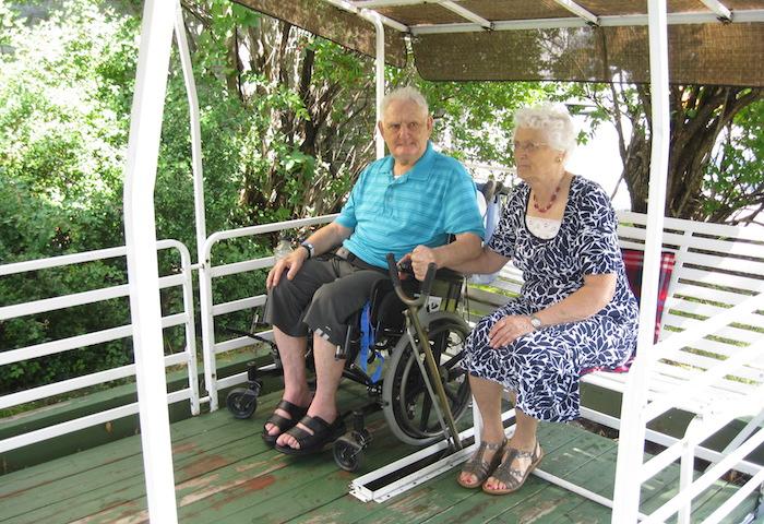 M et Mme Simoneau projet balancoire centre CecileGodin Photo courtoisie FHS