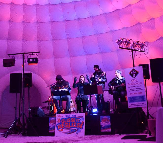 Rigaud spectacle igloo FestivalGlisseetReglisse 2016 Photo courtoisie
