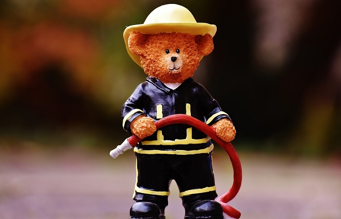 pompier jouet enfant securite incendie Photo Alexas_Fotos via Pixabay