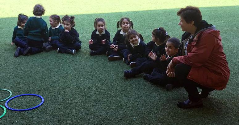prescolaire au Liban RoxaneFarah avec jeunes de la maison enseignement SainteFamille Photo ColVal
