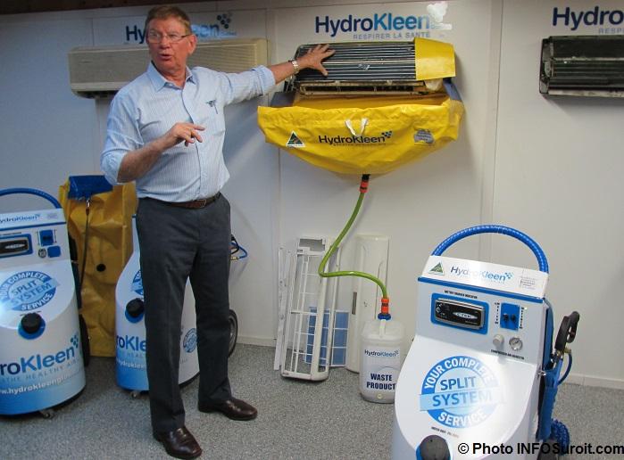 demonstration HydroKleen avec le fondateur JohnSaunders Photo INFOSuroit