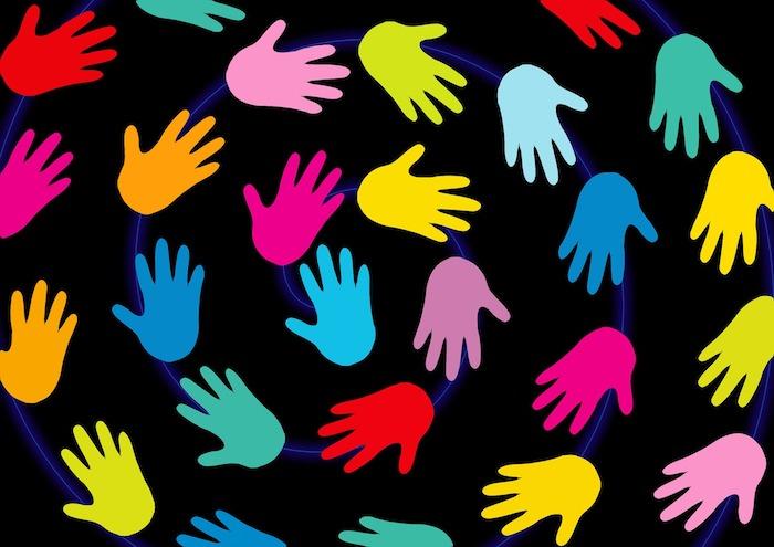 developpement social mains Image Geralt via Pixabay