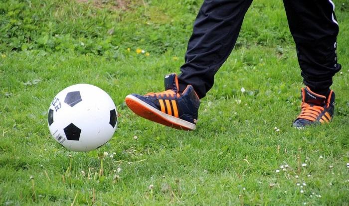 soccer loisir sport ballon Photo Myriams-Fotos via Piaxabay