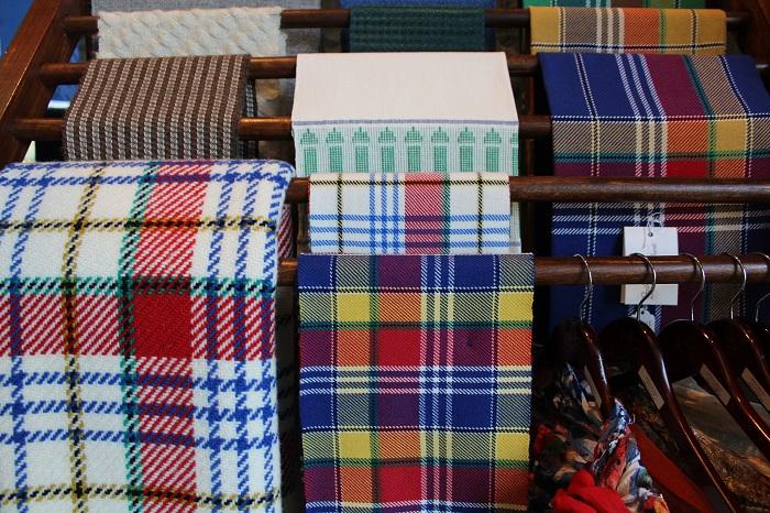 tartans tissage boutique du MUSO a Valleyfield Photo courtoisie MUSO