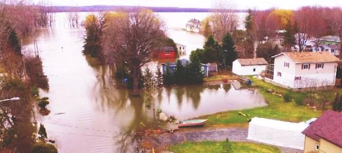 debordement Riviere des Outaouais inondation Rigaud avril 2017 Photo Rigaud