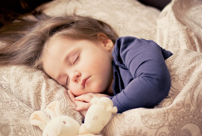 enfant sommeil Photo Dagon_ via Pixabay