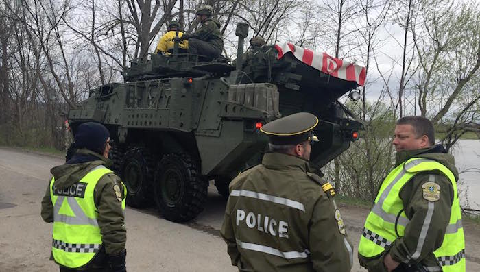 operation sur le terrain site inondation Rigaud Armee police SQ Photo courtoisie VR