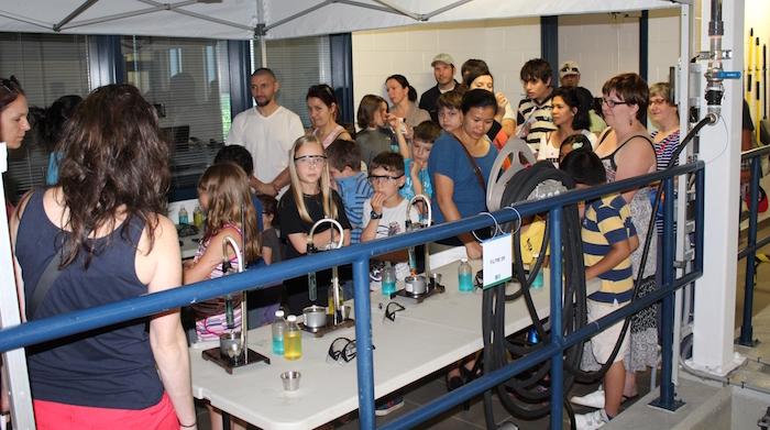 visiteurs familles portes ouvertes usine filtration eaux Vaudreuil-Dorion Photo courtoisie
