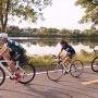 En route vers les Jeux du Québec – La famille Lorquet, cyclistes sur route