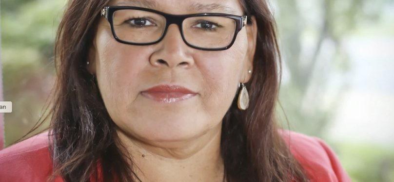 Viviane Michel, présidente des Femmes autochtones du Québec en conférence à Valleyfield