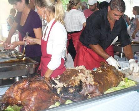 mechoui porc fete familiale St-Louis-de-Gonzague Photo courtoisie
