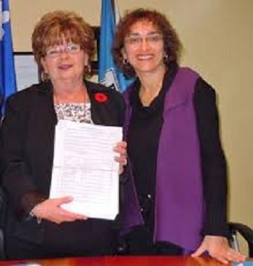 SuzanneYelleBlair et ClaudeDeBellefeuille petition Photo courtoisie publiee par INFOSuroit