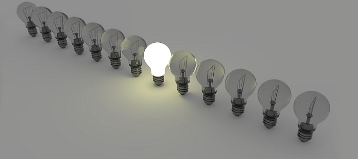 idee lumieres emploi ressources humaines Photo ColiN00B via Pixabay