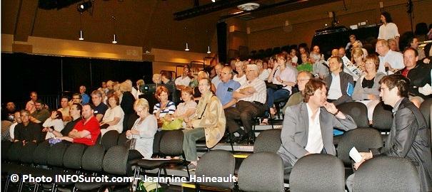 Gens_présents_Rendez-vous_citoyens_11_juin_2011_photo_INFOSuroit.com_Jeannine_Haineault