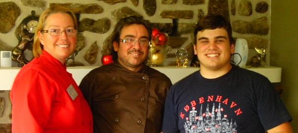 Au_Verger_du_Clocher_Margareth_Page Yves_Boucher et leur_fils Manuel Photo courtoisie