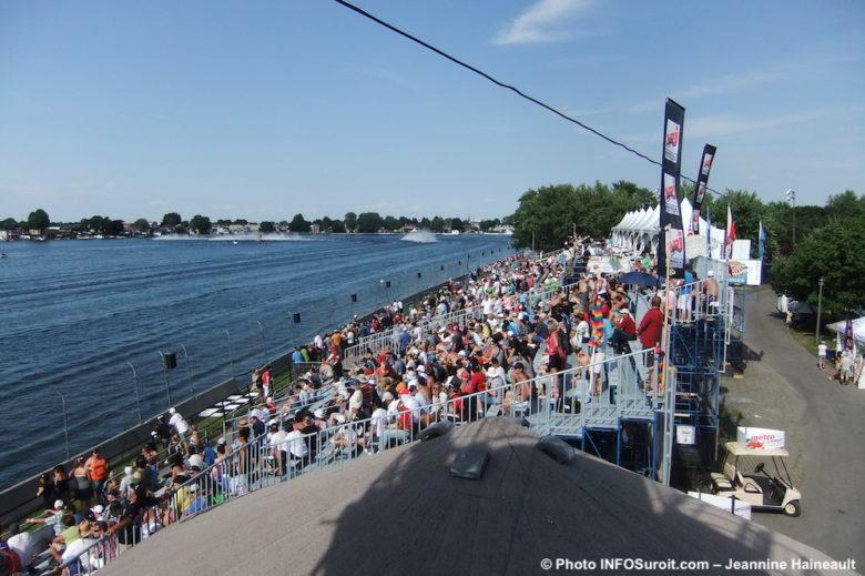 Regates estrades CanadianTire loges et baie lac St-Francois Photo Jeannine_Haineault INFOSuroit
