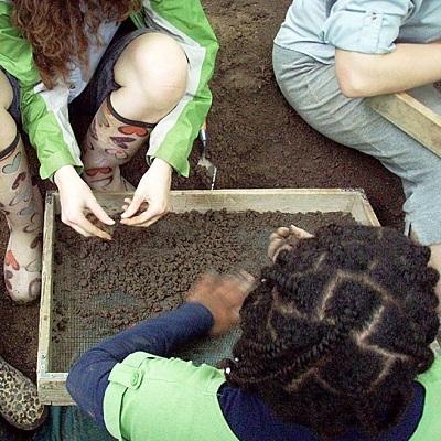 Fouille archeologique Pointe-du-Buisson Beauharnois Photo courtoisie