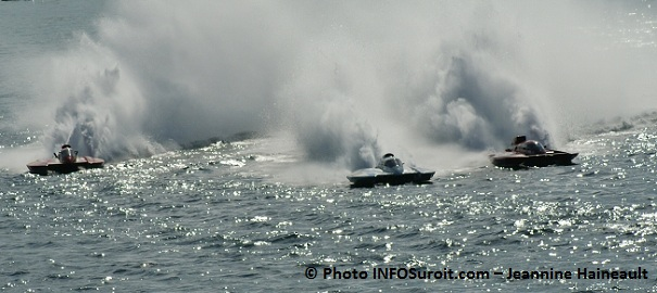 hydroplanes-Regates-Valleyfield-2011-Photo-INFOSuroit_com-Jeannine_Haineault