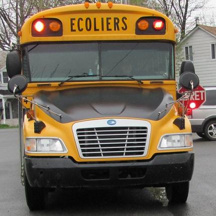 Autobus scolaire a Hinchinbrooke Photo CSVT publiee par INFOSuroit.com_