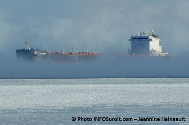 Bateau brouillard hiver Voie maritime du Saint-Laurent Photo INFOSuroit.com_Jeannine-Haineault