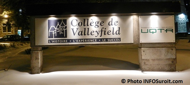 Enseigne College de Valleyfield et UQTR Photo INFOSuroit-com_