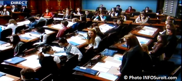 Parlement des Jeunes intervention Adele Major Photo INFOSuroit_com