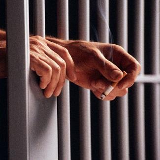 emprise-de-la-cigarette-prison-contrebande-Photo-CPA-publiee-par-INFOSuroit_com
