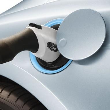 Ford Focus prise electrique pour recharge Photo courtoisie de Ford publiee par INFOSuroit.com_