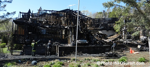 Auberge-des-Gallant-incendie-avril-2012-Photo-INFOSuroit-com_