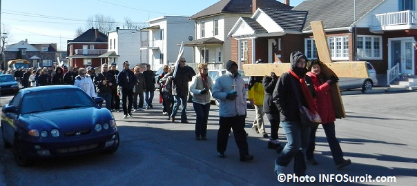 Marche du Pardon a Valleyfield 09h20 6avril2012 Photo INFOSuroit_com_