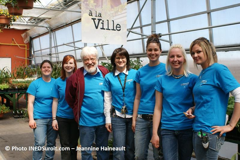 Moissons-en-fleurs-2011-eleves-et-Donald-Millaire-Photo-INFOSuroit-com-Jeannine-Haineault