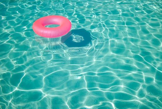 piscine-bouee-eau-baignade-Photo-CPA-publiee-par-INFOSuroit-com_