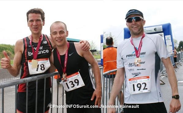 Au-rythme-de-nos-foulees-les-gagnants-demi-marathon-L-PGarnier-GMathieu-et-ATanner-Photo-INFOSuroit-com_Jeannine-Haineault