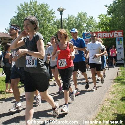 Defi-FRAS-2012-Depart-participants-5km-Photo-INFOSuroit-com_Jeannine-Haineault