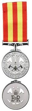 Medaille-des-pompiers-pour-services-distingues-Photo-publiee-par-INFOSuroit-com_