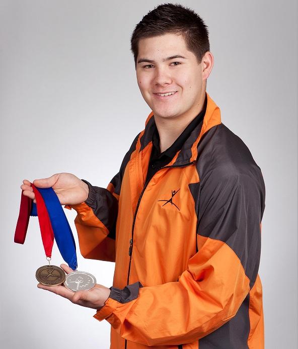 Sebastien-Menard-CFP-Pointe-du-Lac-et-medailles-Photo-CSVT-publiee-par-INFOSuroit-com_