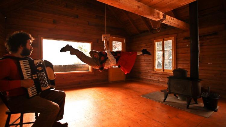 Cirque-Alfonse-Julie-Carabanier-et-Jonathan-Casaubon-Photo-Cirque-Alfonse-publiee-par-INFOSuroit-com-