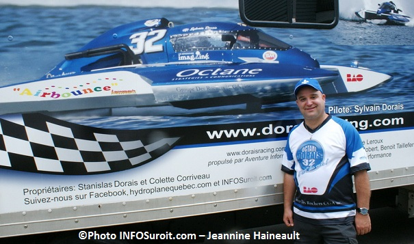 Sylvain-Dorais-devant-camion-et-Octane-32-Photo-INFOSuroit-com_Jeannine-Haineault