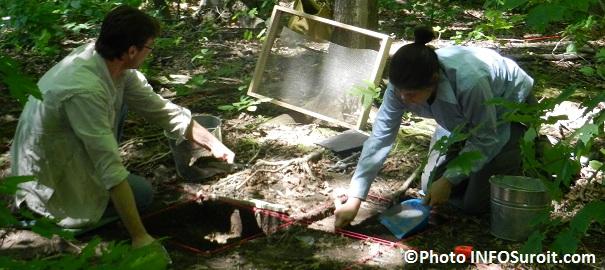 Tournage-documentaire-Pointe-du-Bussion-archeologues-fouilles-Photo-INFOSuroit-com_