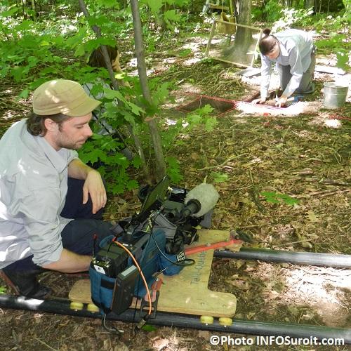 Tournage-documentaire-Pointe-du-Bussion-avec-archeologue-Photo-INFOSuroit-com_